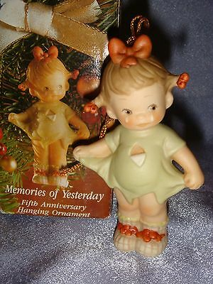 Memories of Yesterday - 527041 -MIB- Ornament - MOMMY, I TEARED IT