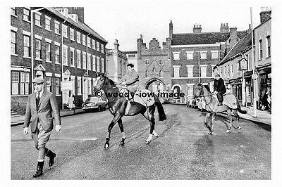 pt8091 - Beverley , Kings Arms Stables , Yorkshire 1965 - photograph 6x4