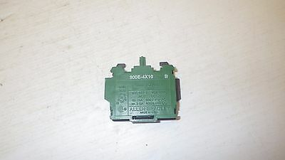 Allen Bradley 800E-4X10 Series B 10Amp 600V Green/black Contact Block