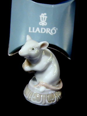 Lladro #8341 Little Mouse Brand New In Box Animal Hindu Religion Small Cute F/sh
