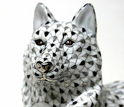 Herend Large Platinum Fishnet Wolf Sitting! Limited Edition! Only 175 Worldwide!
