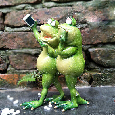 Novelty Frogs Figurines Green Resin Sculpture Table Decor Nature Self-timer 032