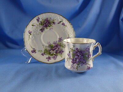Hammersley VICTORIAN VIOLETS  Embossed Cup & Saucer 7005082