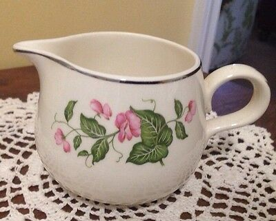 Homer Laughlin Creamer ~ Rhythm D 55 N 4 ~ USA