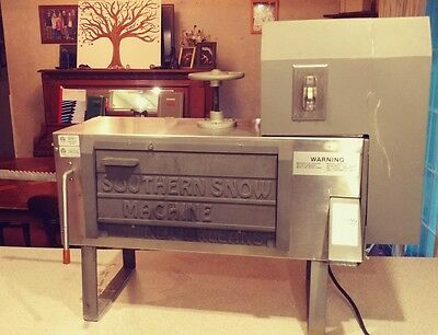 Southern Snow Shaved Ice Sno Cone Machine with Block Ice Mold Maker New Orleans