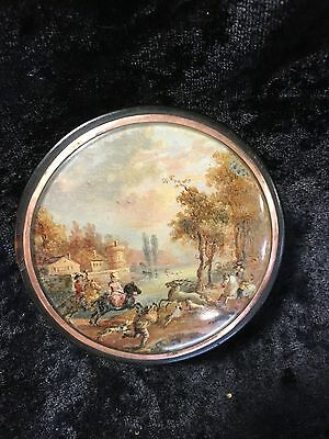 Hand painted hunting scene under glass on a horn snuff box 18th C