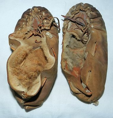 OLD NORTH AMERICAN INDIAN MOCCASINS - DEER HIDE - Ex Ethnographic Collection