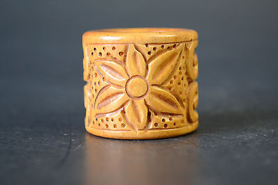 Vintage Noble Collectible Old Bone Barving Flower Totem Noble Ring Decor