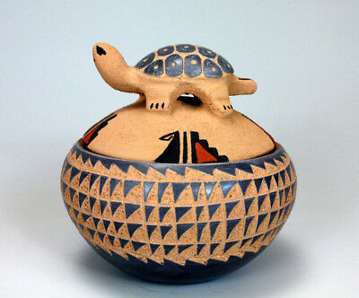 Jemez Pueblo American Indian Pottery Turtle Lid Bowl - Georgia Vigil