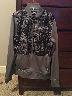 North Face Jacket Men's Size Small. Gray With Black Pattern