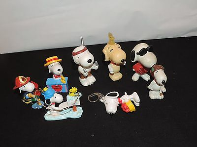 8 Peanuts Miniature Figure Lot Snoopy Woodstock Ornaments Keychain & more (g596