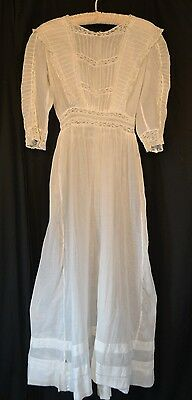 white lawn cotton lace Victorian Edwardian dress long antique original 1890