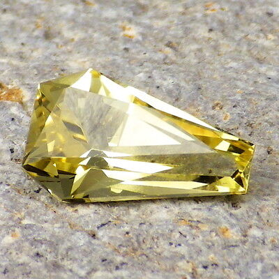 NEON BERYL-TAJIKISTAN 2.93Ct CLARITY VVS1-AMAZING COLOR-FOR JEWELRY!