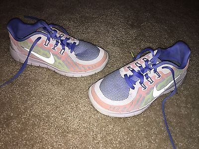 Girls Youth NIKE Size 3Y Athletic Sneakers