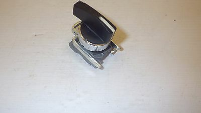 Telemecanique Zb2-Bj3 22Mm 3-Position Spring Return From Both Side Selector Swi.