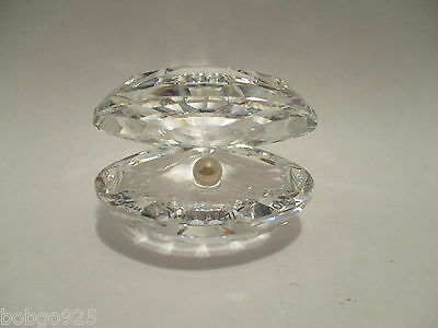 Swarovski Crystal Open Clam Shell With Pearl Glass Paperweight 2 1/2 in x 2 in