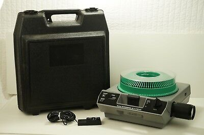 Kodak Ektagraphic III A Slide Projector - EXCELLENT WITH TRAY, REMOTE, HARD CASE