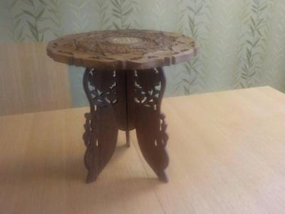 Reproduction Lovely Carved Folding Wine Table / End Side Table Floral Design