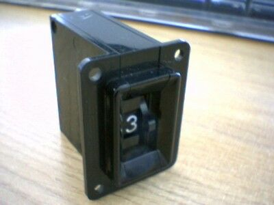 8 Position (0 to 7) OCTAL Output Thumbwheel Switch c/w Panel Mounting Cheeks