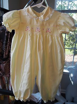 VINTAGE Baby Girl ONE PIECE Jumper Bubble Suit-SMOCKED Embroidered Bears-6-9M!!