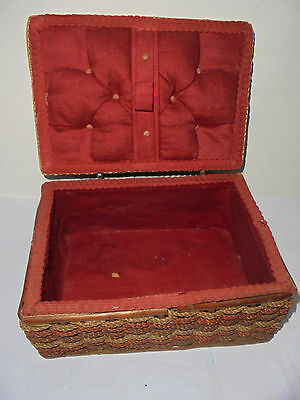 27911 Nähkästchen Weide Korb wicker box utensil 1930 shabby chic gesteppt sewing