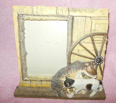 Super Cute 3-D Resin Picture Frame Cats By The Barn 3 X 5