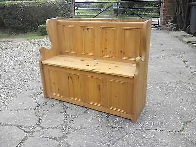 Monks Bench:Quality made Modern solid pine Monk's Bench with storage below seat