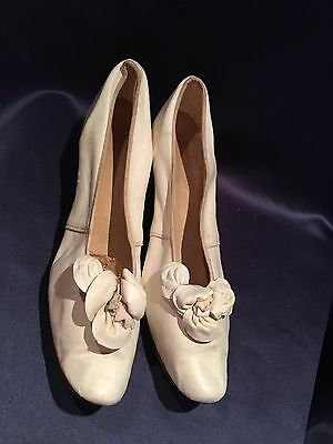 "Antique C1890 White Kid Leather Wedding Shoes 1 1/2"" Heels"