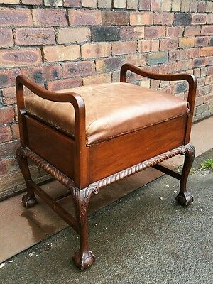 ~Stunning ~Antique ~Vintage ~Large ~Piano /Music Stool ~Ball in Claw Feet ~ VGC~