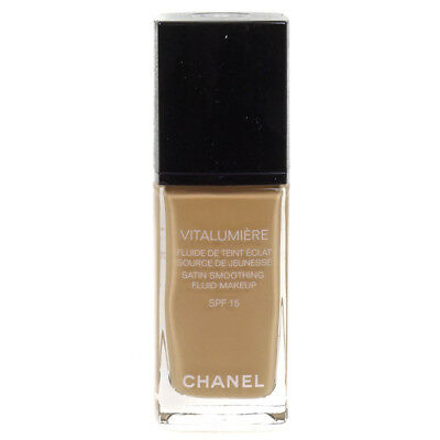 Chanel Vitalumiere Fluid Makeup Foundation SPF 15 20 Clair 30ml | RRP £37.00