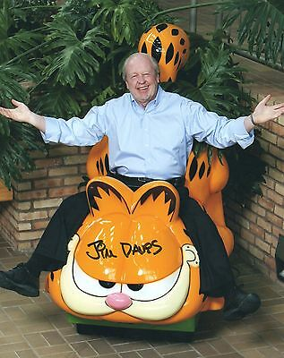 Jim Davis signed 8x10 Garfield photo / autograph