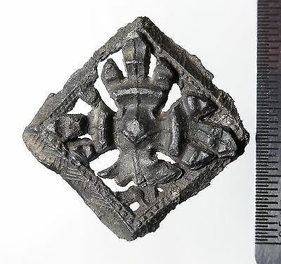 Pewter Pilgrim's Badge c1500AD, Fleur-de-lis like Crest probably Walsingham
