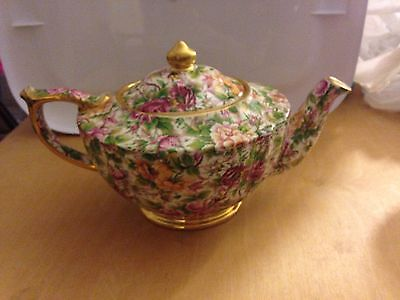 Sadler chintz Made in England pink roses gold trim perfect condition tea pot