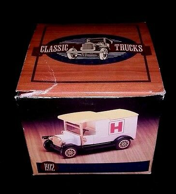 Readers Digest Collector's Set Of 4 Vintage Classic Mini Trucks -  Scale 1:43
