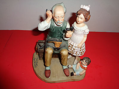 """1981 Norman Rockwell """"The Cobbler"""" Figurine (6 by 5.5 By 4.5 inch)"""