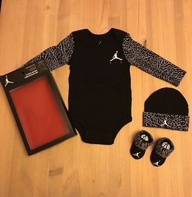 BNIB Nike Air Jordan Infant 3 Piece Set Baby grow Hat Shoes 6-12 Months Black
