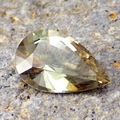 GREEN DICHROIC OREGON SUNSTONE 2.32Ct FLAWLESS-FROM PANA MINE-FOR JEWELRY!