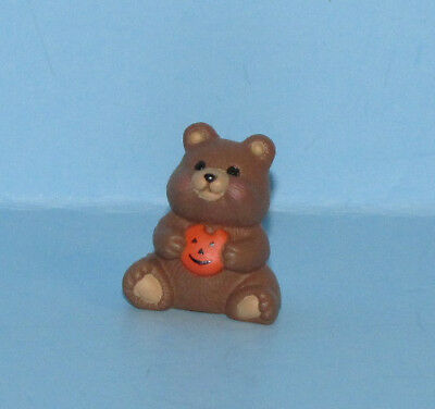 Hallmark Merry Miniatures 1991 Halloween Bear Pumpkin Gold tag