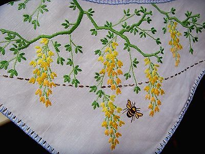 Beautiful Vintage Linen Hand Embroidered Tablecloth Circle Of Wisteria & Bees