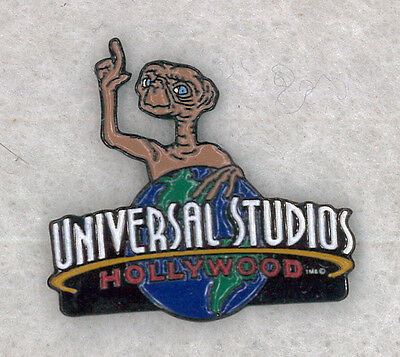 Universal Studios movie pin - E.T. The Extraterrestrial  Hollywood badge B