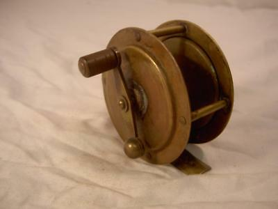 THE MILBRO ENGLAND RARE BRASS ANTIQUE VINTAGE OLD FISHING REEL simple early lure