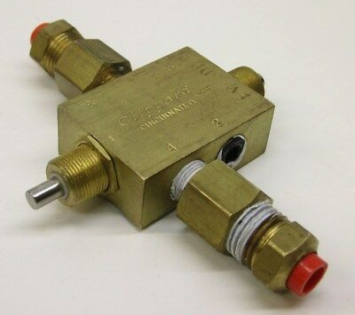 "Clippard FV-3DP 3-Way Spool Double Plunger 2 Position Valve, 1/8"" NPT"