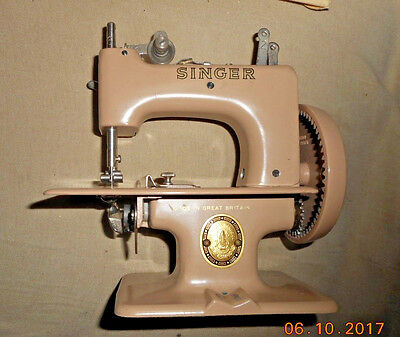 Antique Exclen't Singer Sewing Machine Sewhandy Model 20 Complete Sew Handy &box