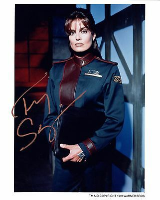 Tracy Scoggins signed publicity photo / autograph Babylon 5 Capt. Lochley