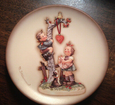M J Hummel Here's My Heart  Century Collection Plate Series 1998    10% Donation