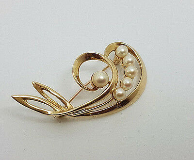 Gorgeous 9ct Gold Cultured Pearl Brooch.  Goldmine Jewellers.
