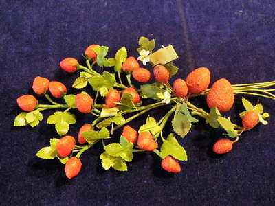 "Vintage Millinery Flower Fruit Berry Strawberry Collection 3/4-1 1/4"" Red H1597"