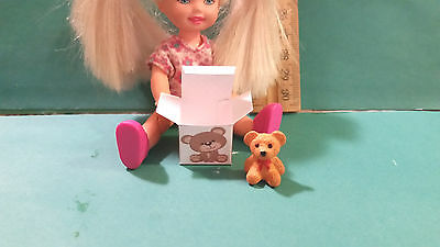 Barbie 1:6 Furniture Miniature Toy Bear and Box for Kelly or Tommy aa