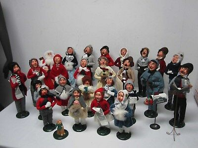 26 Vintage 1990 Byers Choice Christmas Caroler Figures  ~ Great Lot!