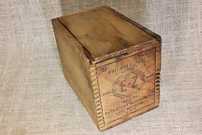 Old wood shipping crate box sliding lid Anti Borax compound E-Z 1902 vintage fix